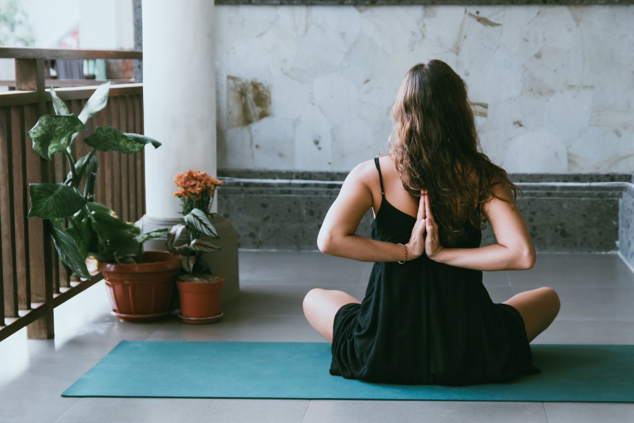 How to Balance Vata Dosha with Yoga